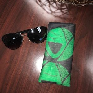 African print Sunglass/Eyeglasses glasses holder!